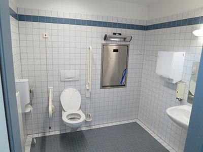 Toiletruimte geschikt voor mensen met een handicap